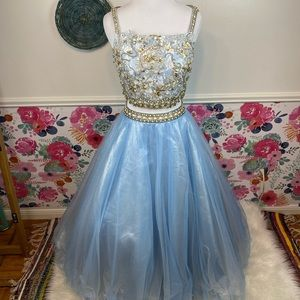 Camille La Vie Ice Princess Blue Blinged Out 2 Piece Prom Pageant Hoco Dress 0